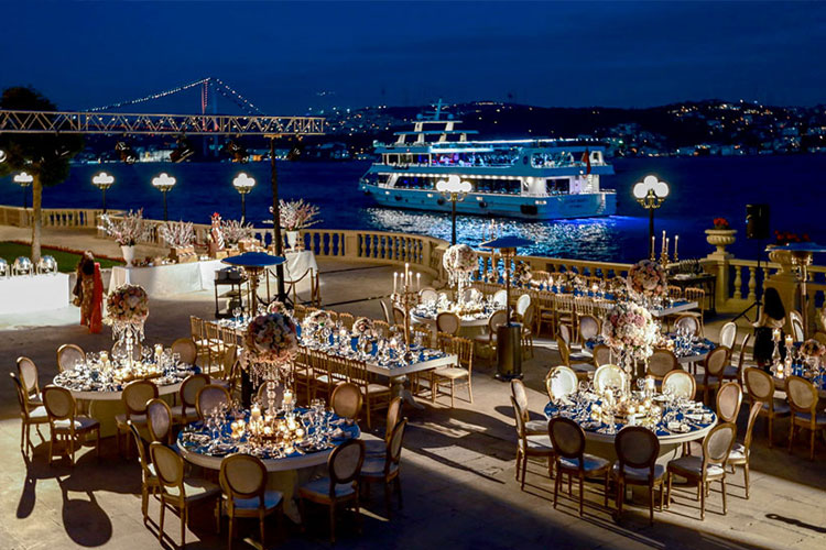 wedding celebration dinner at sea side