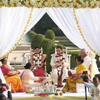 indian wedding couple in mandap